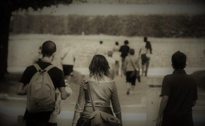 Caminar obliga a dejaratrás